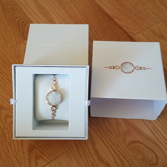 Michael Kors Access Smart Watch Bracelet MKA101022 NWT